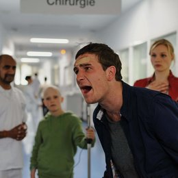 Kreutzer kommt ... ins Krankenhaus (ProSieben) / Frederick Lau / Rosalie Thomass Poster