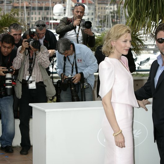 Crowe, Russell / 63. Filmfestival Cannes 2010 / Cate Blanchett