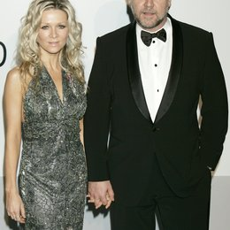 Danielle Spencer / Russell Crowe / 63. Filmfestival Cannes 2010 Poster