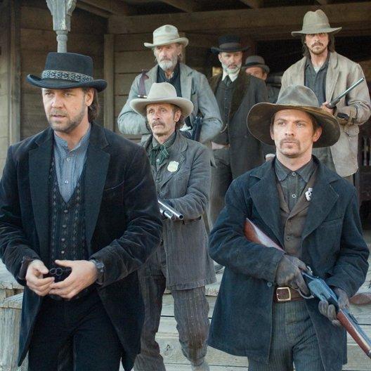 Todeszug nach Yuma / Russell Crowe / Luce Rains / Peter Fonda / Lennie Loftin / Chad Brummett / Christian Bale Poster