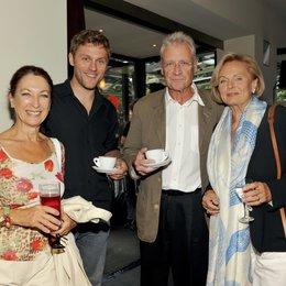 Traditioneller ZDF-Empfang auf dem Filmfest München 2009 / Daniela Ziegler, Jens Atzorn, Robert Atzorn und Ruth Maria Kubitschek Poster