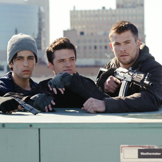 Red Dawn - Der Kampf beginnt im Morgengrauen / Red Dawn / Josh Peck / Josh Hutcherson / Chris Hemsworth