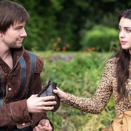 Reign / Adelaide Kane / Torrance Coombs Poster