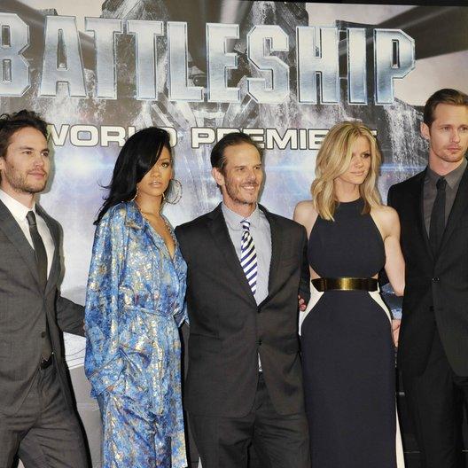 """Premiere von """"Battleship"""" in Tokio / Taylor Kitsch, Rihanna, Peter Berg, Brooklyn Decker und Alexander Skarsgård Poster"""