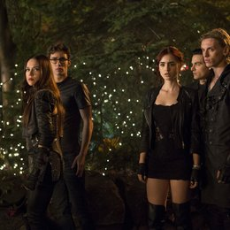 Chroniken der Unterwelt - City of Bones / Jemima West / Robert Sheehan / Lily Collins / Kevin Zegers / Jamie Campbell Bower Poster