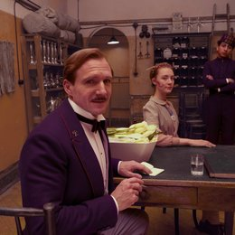 Grand Budapest Hotel / Ralph Fiennes / Saoirse Ronan / Tony Revolori Poster