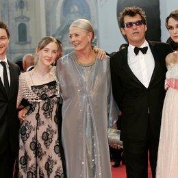 """James McAvoy / Saoirse Ronan / Vanessa Redgrave / Keira Knightley / 64. Filmfestspiele Venedig 2007 / Mostra Internazionale d'Arte Cinematografica / """"Atonement"""" Team Poster"""