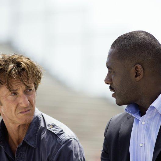 Gunman / Sean Penn / Idris Elba Poster