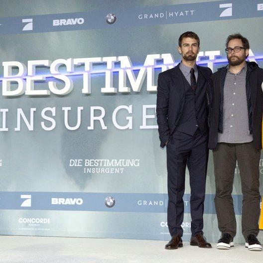 """James, Theo / Schwentke, Robert / Woddley, Shailene / Premiere """"Insurgent - Die Bestimmung"""", Berlin Poster"""