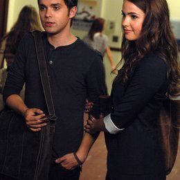 Secret Circle, The / Shelley Hennig / Thomas Dekker Poster