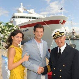 Kreuzfahrt ins Glück: Hochzeitsreise nach Sevilla (ZDF / ORF) / Nadine Warmuth / Simon Böer / Siegfried Rauch Poster
