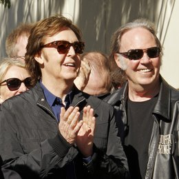 Sir Paul McCartney erhält einen Stern am Hollywood Walk Of Fame / Neil Young Poster