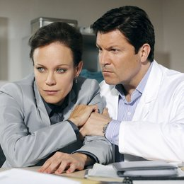 Familie Dr. Kleist (5. Staffel, 13 Folgen) (ARD) / Francis Fulton-Smith / Sonja Kirchberger