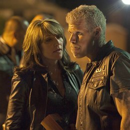Sons of Anarchy - Staffel 2 / Katey Sagal / Ron Perlman Poster