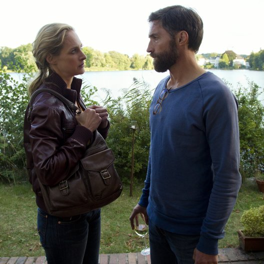 Zwischen den Zeiten (ZDF) / Sophie von Kessel / Benjamin Sadler