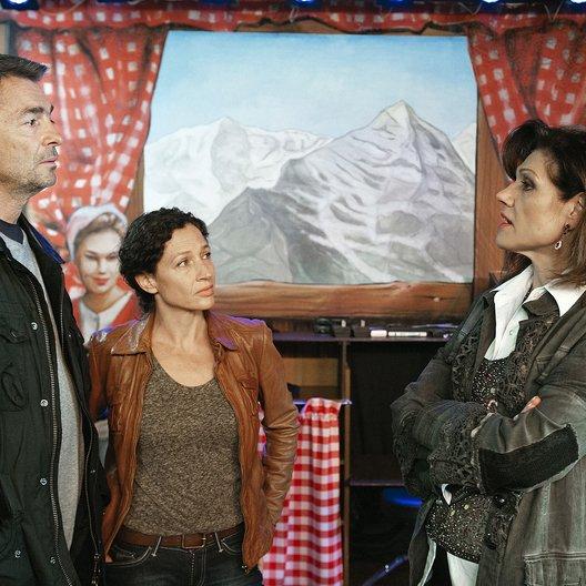 Tatort: Hanglage mit Aussicht (Schweizer Radio und Fernsehen (SRF)) / Stefan Gubser / Maja Brunner / Delia Mayer Poster