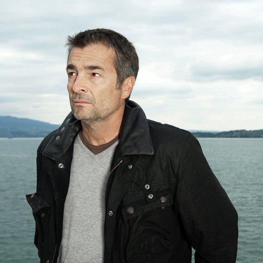 Tatort: Hanglage mit Aussicht (Schweizer Radio und Fernsehen (SRF)) / Stefan Gubser Poster