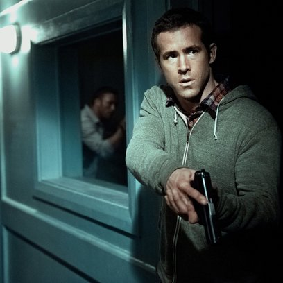 Safe House / Ryan Reynolds Poster