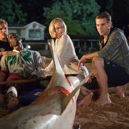 Shark Night 3D / Chris Zylka / Sara Paxton / Dustin Milligan Poster