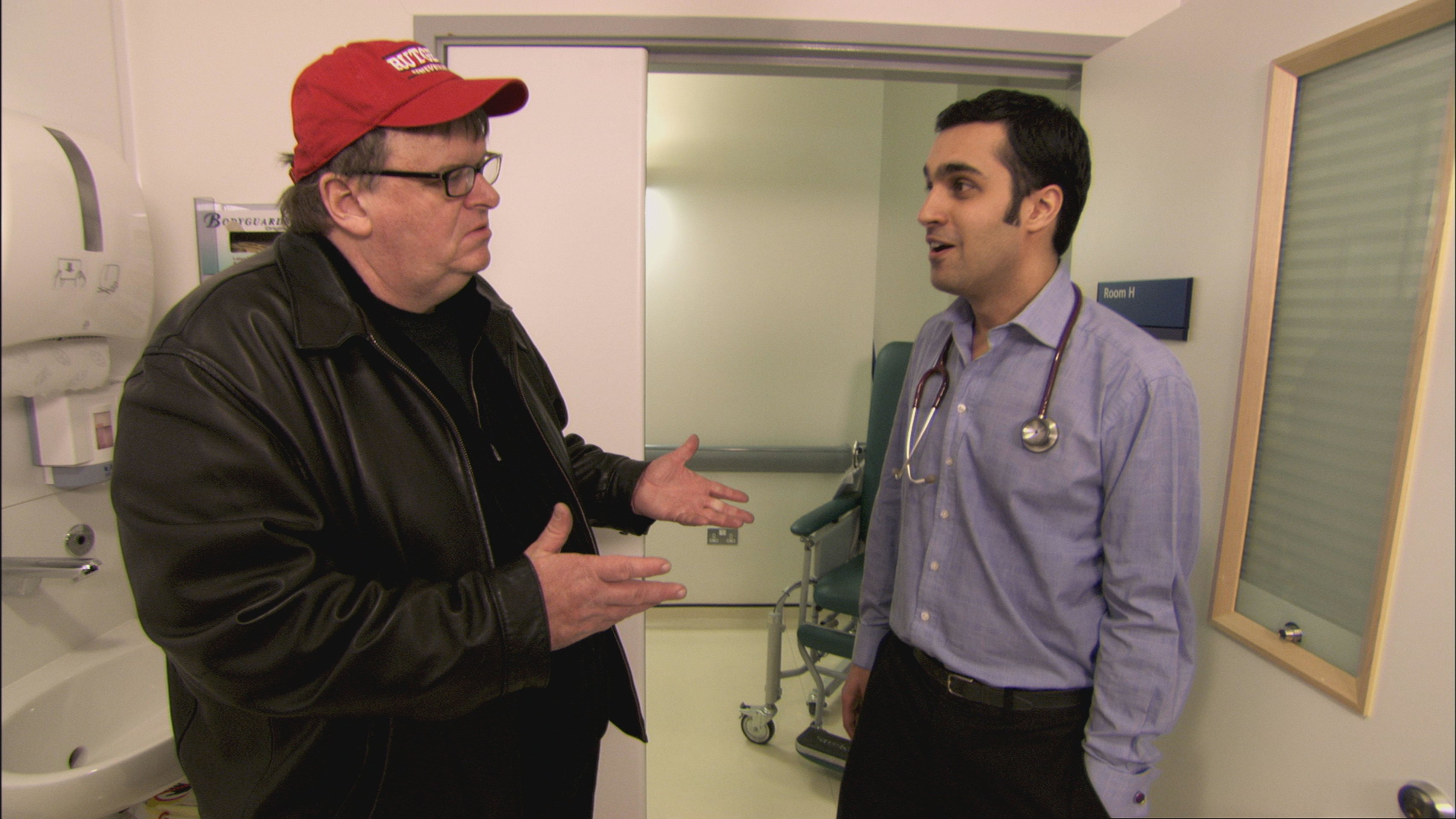 the analysis of the film sicko by michael moore Moore's 'sicko' lands blows on us health care director michael moore's latest documentary, sicko, is an indictment of the us health care systemmelissa block sizes up sicko — as entertainment and expose — with film critic bob mondello and science correspondent joanne silberner.