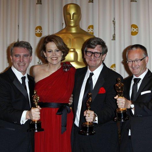 Rick Carter / Robert Stromberg / Kim Sinclair / Sigourney Weaver / Oscar 2010 / 82th Annual Academy Awards Poster