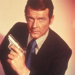 James Bond 007: Der Mann mit dem goldenen Colt / Mann mit dem goldenen Colt, Der / Roger Moore Poster