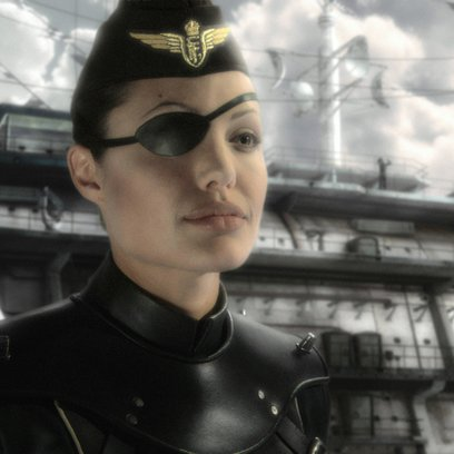 Sky Captain and the World of Tomorrow / Angelina Jolie Poster