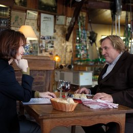 Small World / Nathalie Bayer / Gérard Depardieu Poster