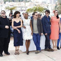 Jury / Gyllenhaal, Jake / Del Toro, Guillermo / Marceau, Sophie / Traoré, Rokia / Coen, Joel / de Palma, Rossy / Dolan, Xavier / Miller, Sienna / 68. Internationale Filmfestspiele von Cannes 2015 / Festival de Cannes Poster