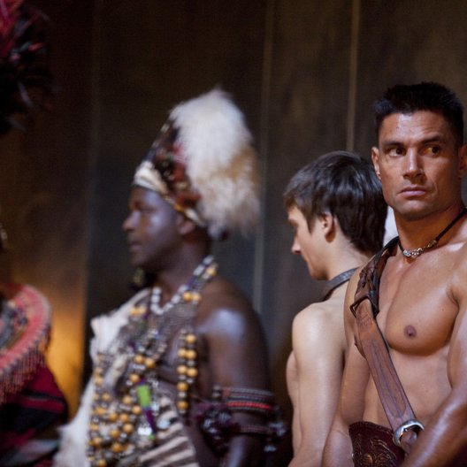 Spartacus: Blood and Sand (1. Staffel, 13 Folgen) / Manu Bennett Poster