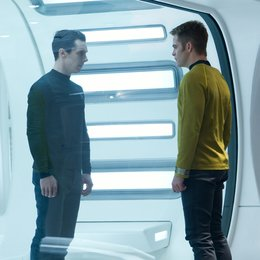 Star Trek Into Darkness / Benedict Cumberbatch / Chris Pine