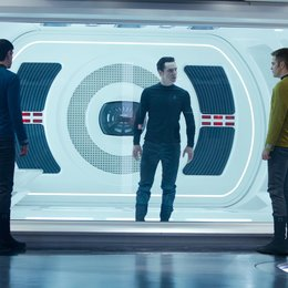 Star Trek Into Darkness / Zachary Quinto / Benedict Cumberbatch / Chris Pine