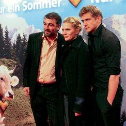 """Premiere von """"Nur ein Sommer"""" in den Neuen Kant Kinos in Berlin / Stefan Gubser, Anna Loos und Steve Windolf Poster"""