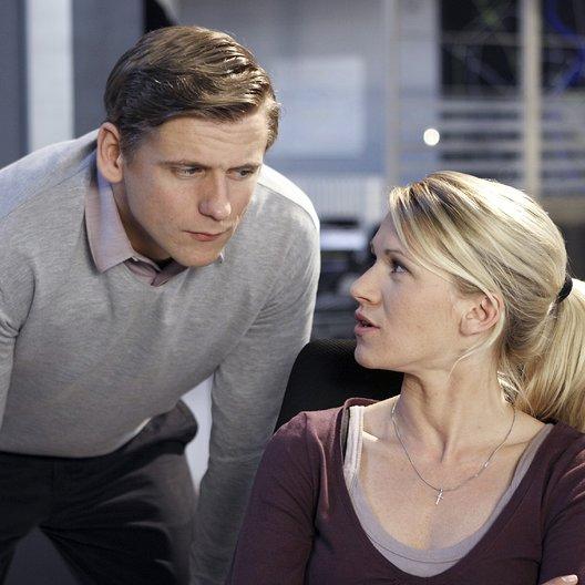 SOKO Köln (10. Staffel, 23 Folgen) (ZDF) / Kerstin Landsmann / Steve Windolf Poster