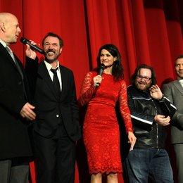 Stirb langsam - Ein guter Tag zum Sterben / Filmpremiere Berlin / Bruce Willis / Sebastian Koch Poster