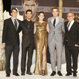 """Filmpremiere """"Breaking Dawn - Biss zum Ende der Nacht, Teil 2"""" in Berlin / Wyck Godfrey / Taylor Lautner / Kristen Stewart / Robert Pattinson / Bill Condon Poster"""