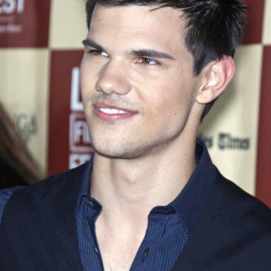 "Taylor Lautner / Filmpremiere ""A better Life"" Poster"