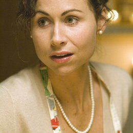 Riches, The / Minnie Driver Poster