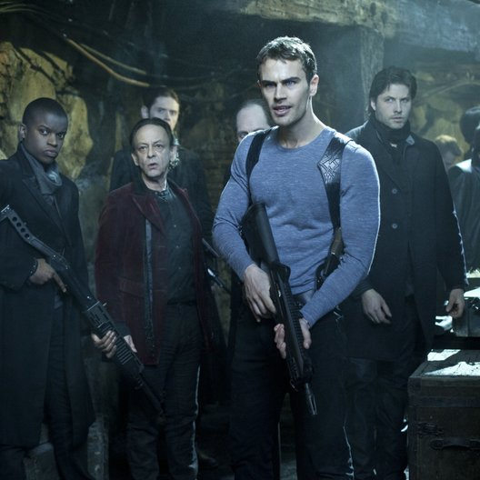 Underworld: Awakening / Underworld Awakening / Theo James