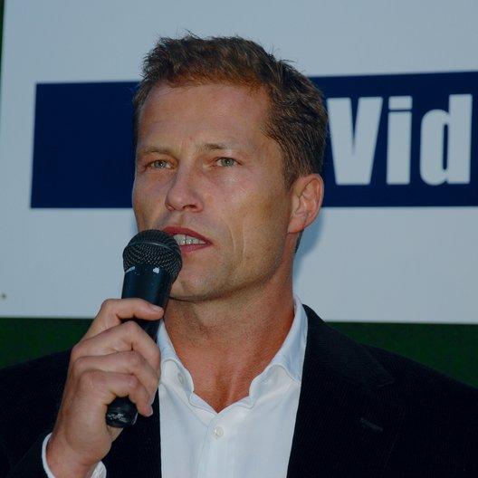 IVD feiert 25-jähriges Verbandsjubiläum / Ehrenpreis für Til Schweiger Poster