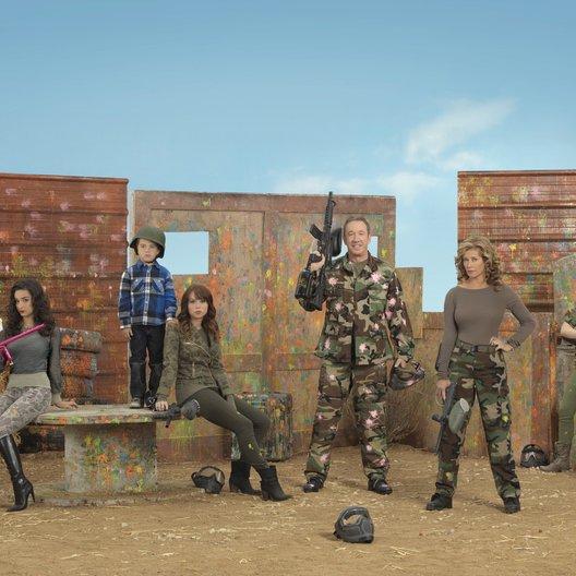Last Man Standing / Tim Allen / Hector Elizondo / Flynn Morrison / Kaitlyn Dever / Nancy Travis / Amanda Fuller / Christopher Sanders / Molly Ephraim Poster
