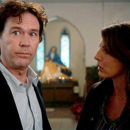 Leverage / Timothy Hutton / Gina Bellman Poster