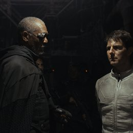 Oblivion / Morgan Freeman / Tom Cruise