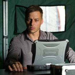 Crossing Lines (2. Staffel, 12 Folgen) / Tom Wlaschiha Poster