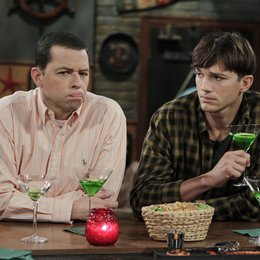 Two and a Half Men - Die komplette zehnte Staffel Poster