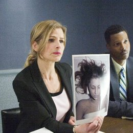 Closer, The / Kyra Sedgwick Poster