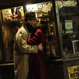 Deep Blue Sea, The / Rachel weisz / Tom Hiddleston