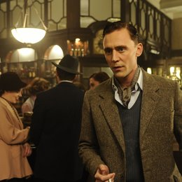 Deep Blue Sea, The / Tom Hiddleston