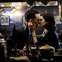 Deep Blue Sea, The / Tom Hiddleston / Rachel Weisz