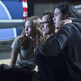 Flash, The / Danielle Panabaker / Carlos Valdes / Tom Cavanagh Poster